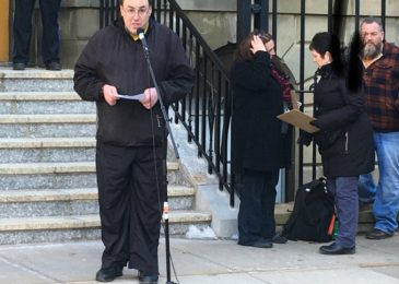 Tim Blades at the Province House rally: End the child support clawback for single mothers on welfare
