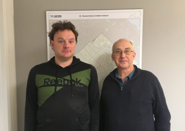 Kendall Worth: Knocking on doors with Gary Burrill to sign our petition against the claw backs