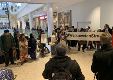 Flash mob descends on Halifax Shopping Centre in solidarity with Wet'suwet'en people