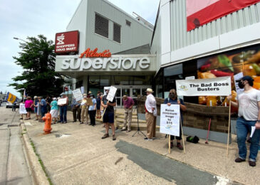 "People rally at Quinpool Road Superstore against loss of ""hero pay"" despite spike in grocery store profits"