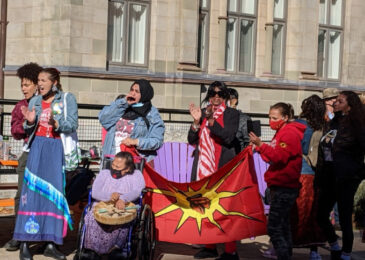 """Yes to treaty rights and no to racism"" – Halifax rallies in support of Sipekne'katik fishers"